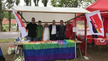 Infotisch des AK queer bei den Respect Games 2017 in Berlin