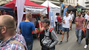 Infostand auf dem Lesbisch-schwulen Stadtfest in Berlin 2017