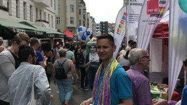 Infostand des AK queer auf dem Lesbisch-schwulen Stadtfest 2018